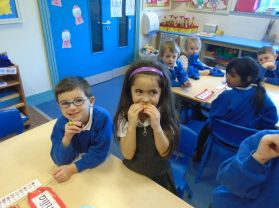 Fruit tasting as part of our topic on 'Food'
