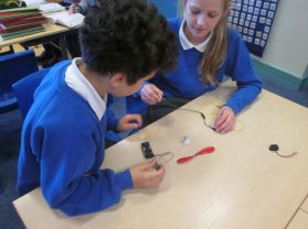 P6 Making Electrical Circuits